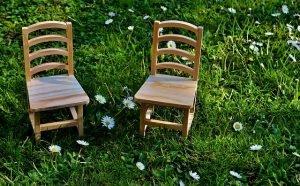 Czy rzeczywiście na krzesłach z Radomska siedzi cały świat?