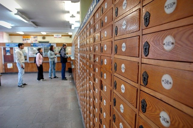 na pocztę do pracy