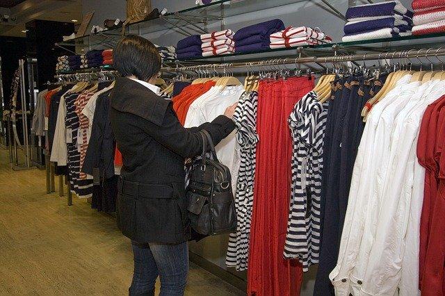 Handel odzieżą – sposób na biznes w Rzgowie